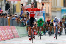 German cyclist Andre Greipel of Lotto Soudal team celebrates as he crosses the finish line at the end of the 233km fifth stage between Praia a Mare and Benevento, during the 99th Giro d'Italia, Tour of Italy, on May 11, 2016 in Benevento. / AFP PHOTO / LUK BENIES